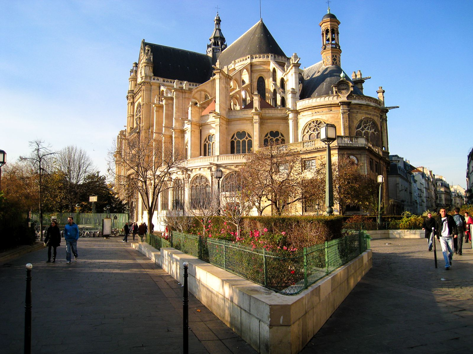 9 Free Things To Do In Paris! (5)