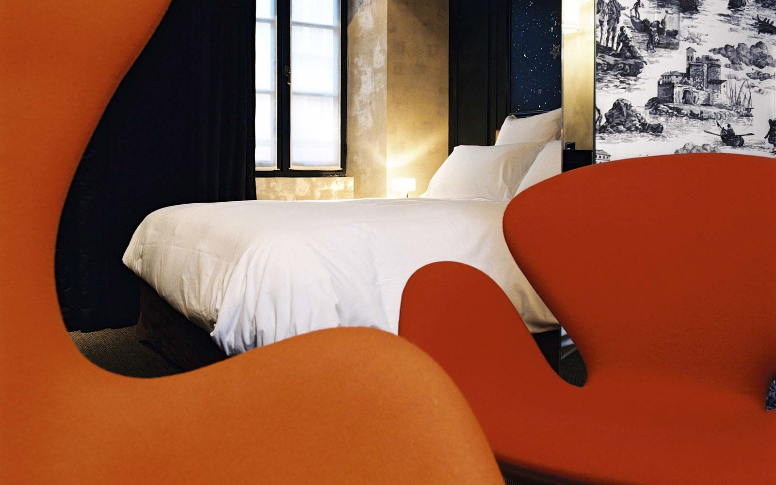 Planning A Luxury stay In Paris? Try The Hotel Petit Moulin (6)