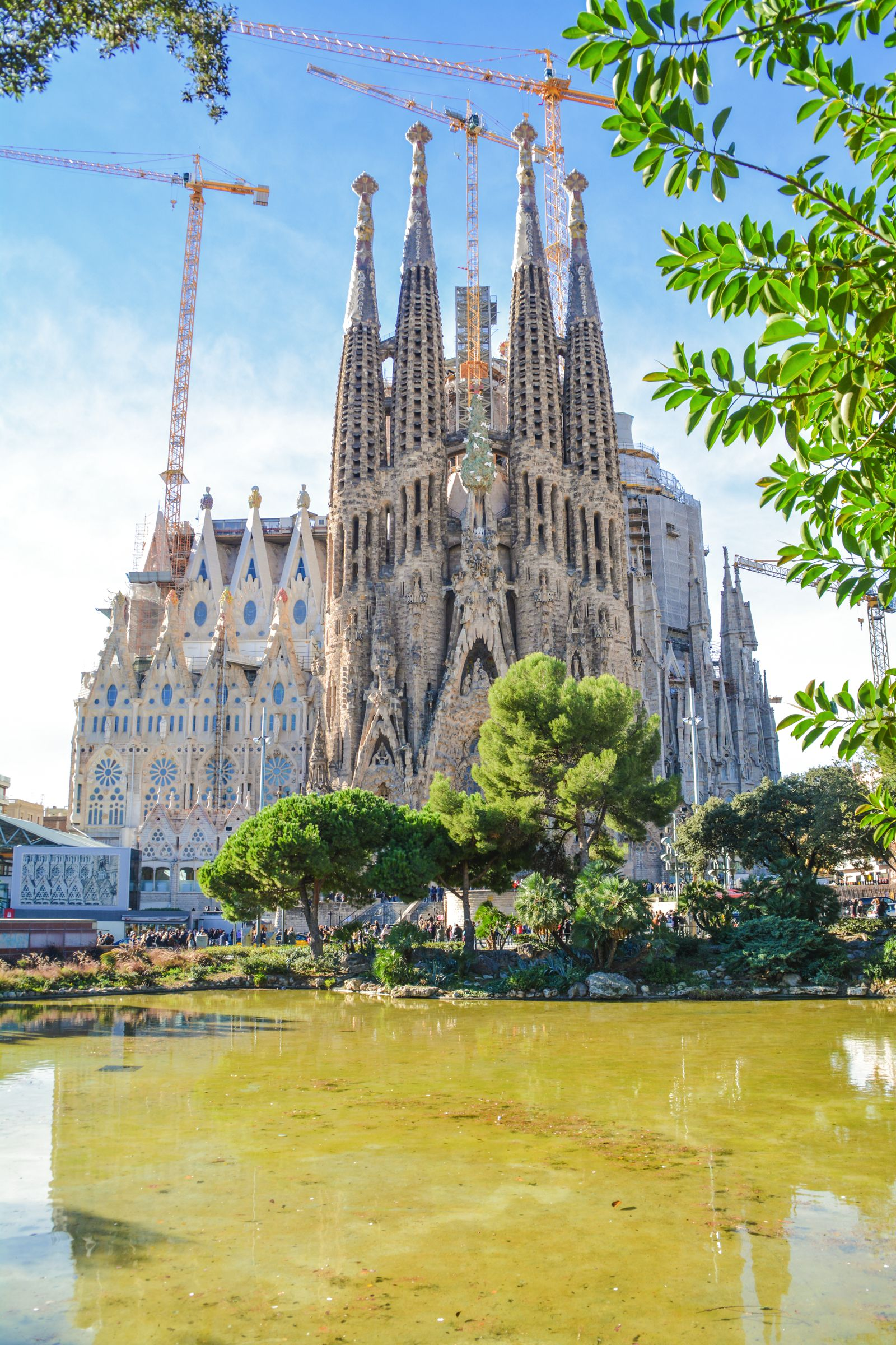 6 Must See Pieces Of Architecture By Gaudì In Barcelona (53)