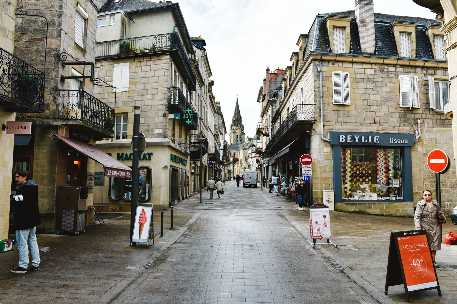 A Morning In The French Commune Of Brive-la-Gaillarde (11)