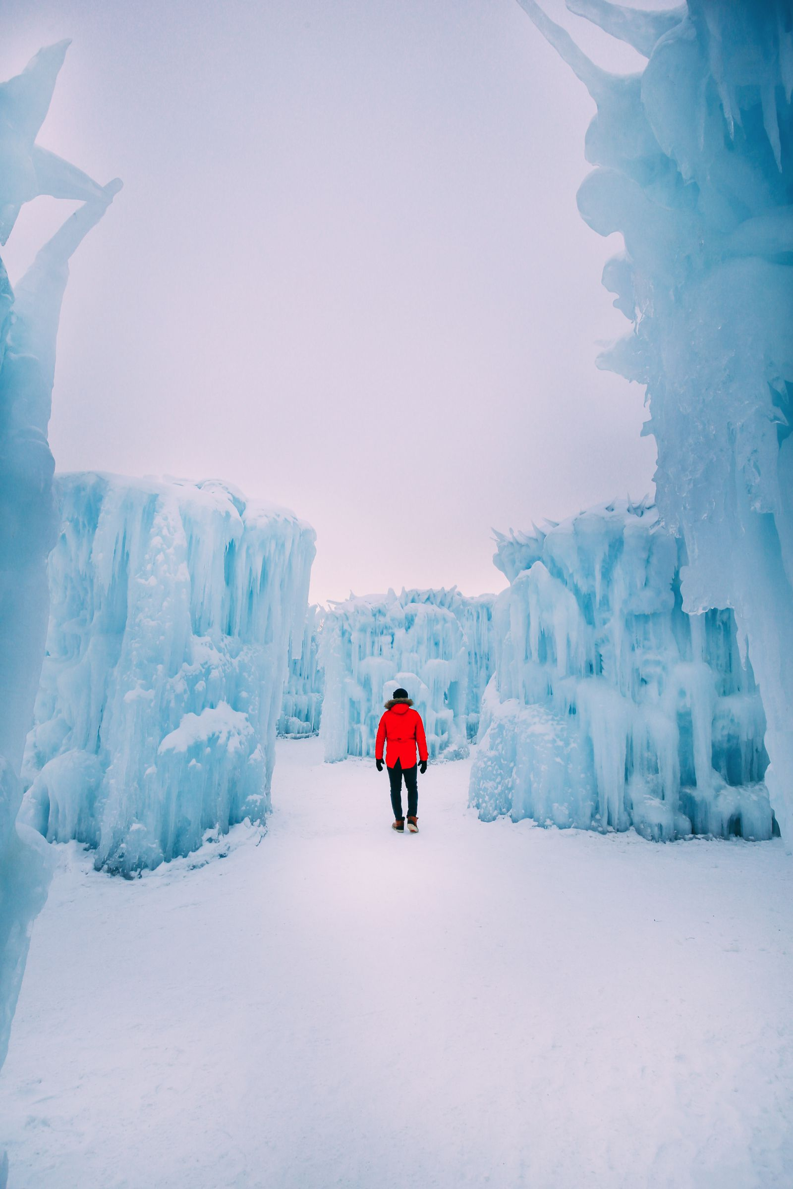 Edmonton City In Alberta Canada - Ice Castles And Travel Photos (9)