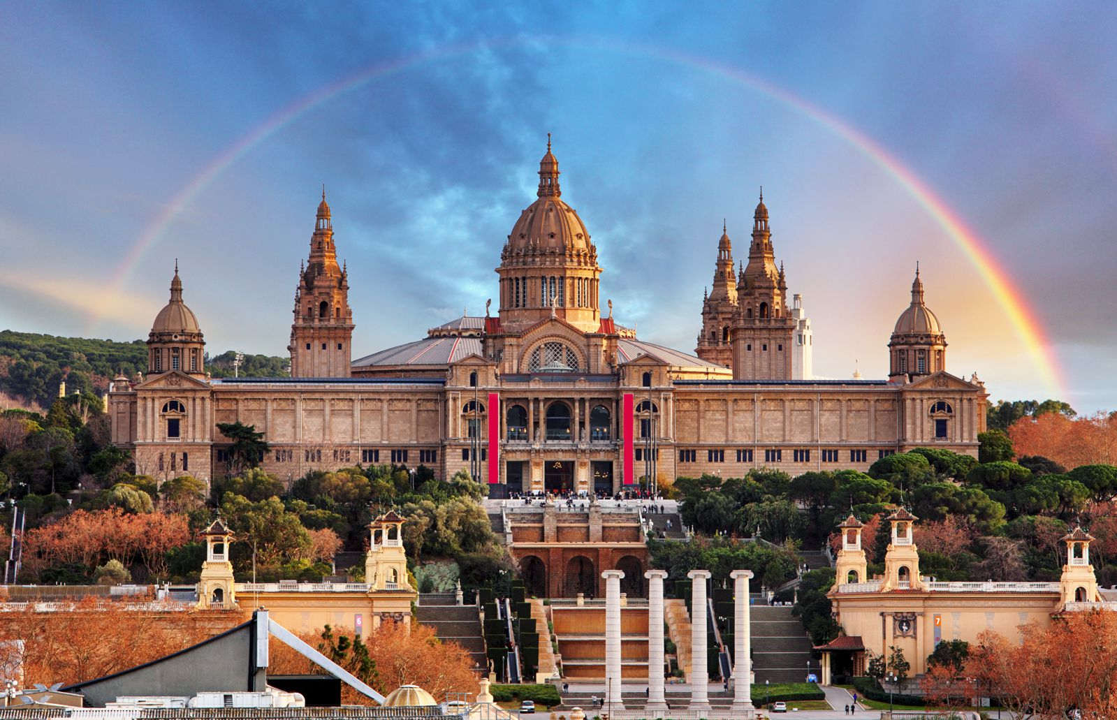 12 Amazing Things To See And Do On A First Trip To Barcelona (20)