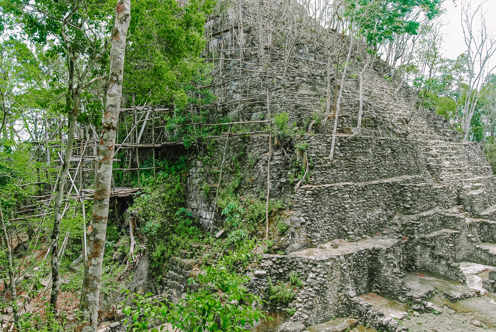 Guatemala Travel: 13 Amazing Mayan Ruins You HAVE To Visit! (2)