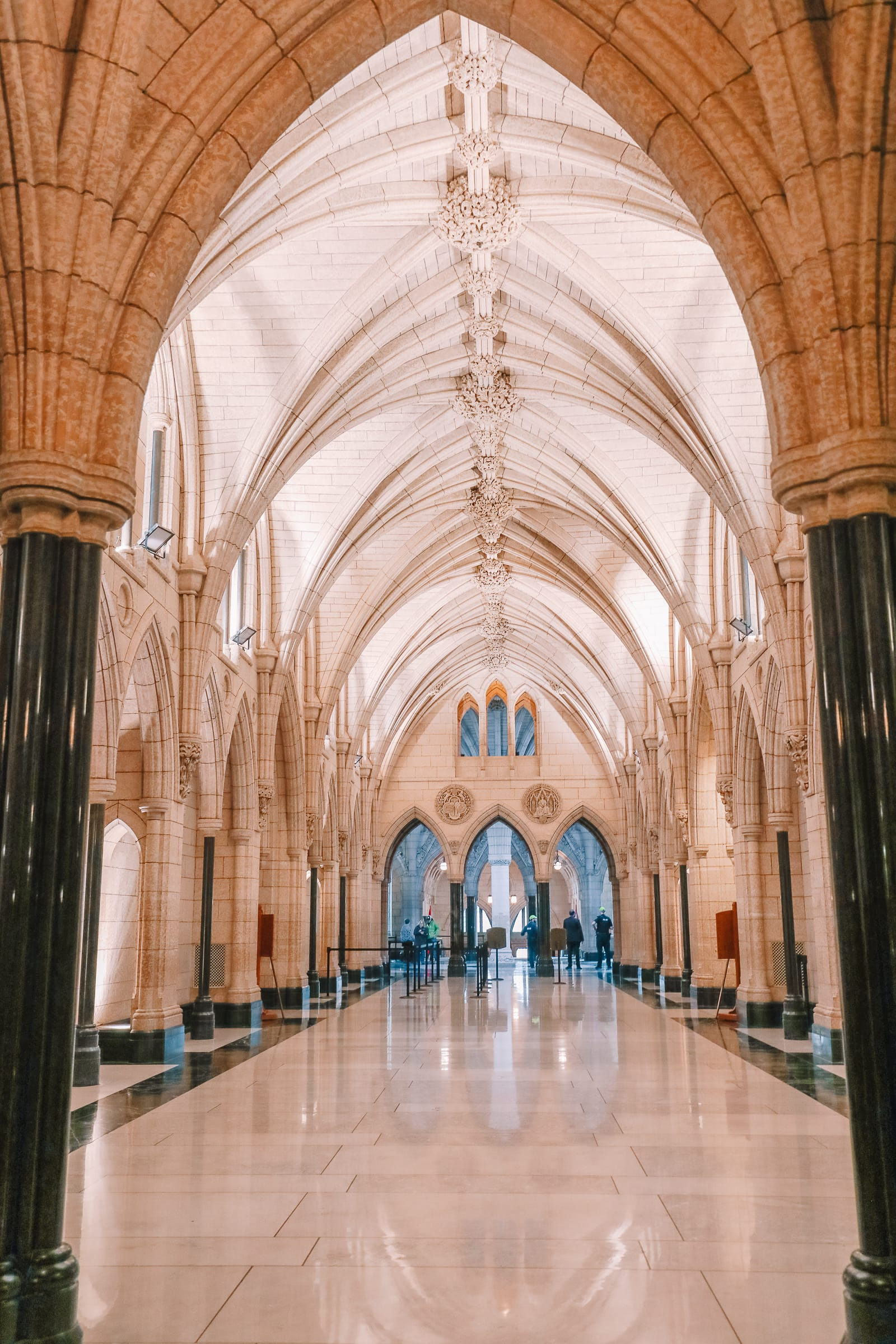 Visiting The Parliament Of Canada (21)
