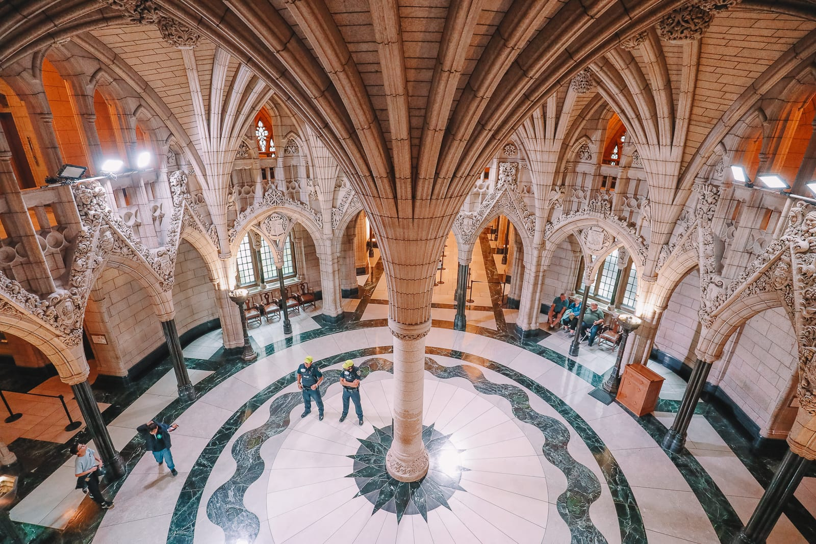 Visiting The Parliament Of Canada (29)