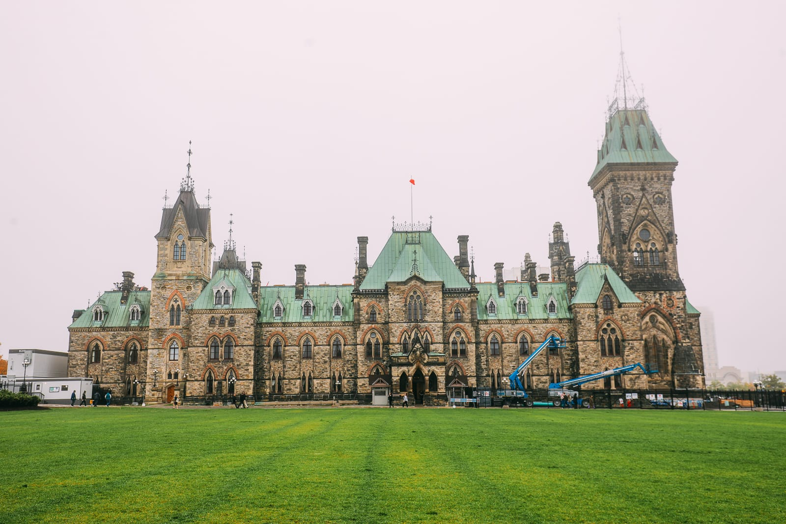 Visiting The Parliament Of Canada (34)